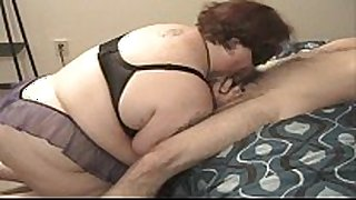Amateur bbw with teat clamps deepthroats to c...